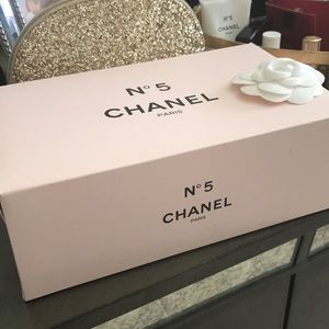 Chanel. Authentic Box with wrapping paper. Genuine